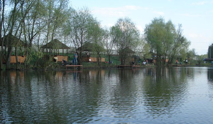 Платная РЫБАЛКА В ПОДМОСКОВЬЕ. Рыболовные базы Подмосковья